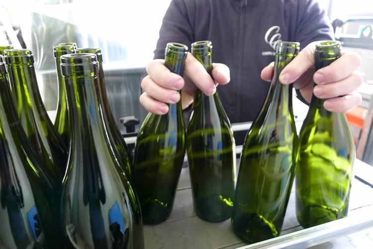 Die Flaschenabfüllung.