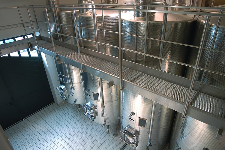 Vinification and ageing.
